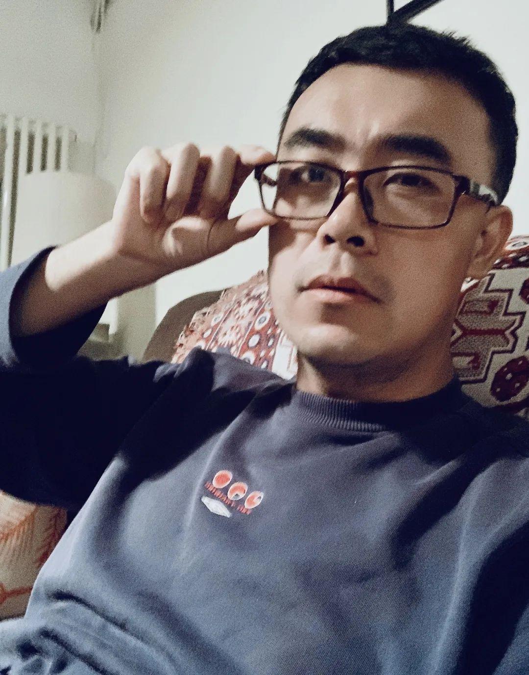 雅座丨杨晓晨:大地上的书(修新羽)图片