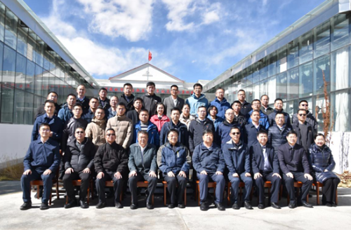 浙江省委常委、常务副省长冯飞率代表团赴藏考察对接对口支援工作