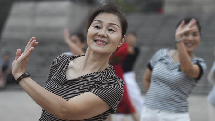 明年起,大妈跳广场舞有啥规范可循?上海这部条例来了图片