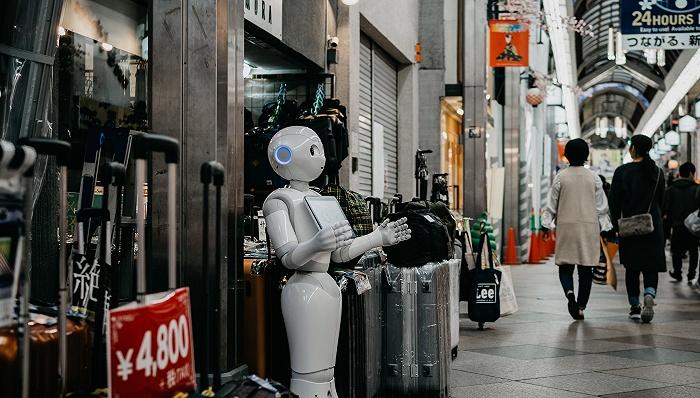 """""""硅谷教父""""轩尼诗:大脑是最伟大的学习机器,实现更智能的AI需要超强算力"""