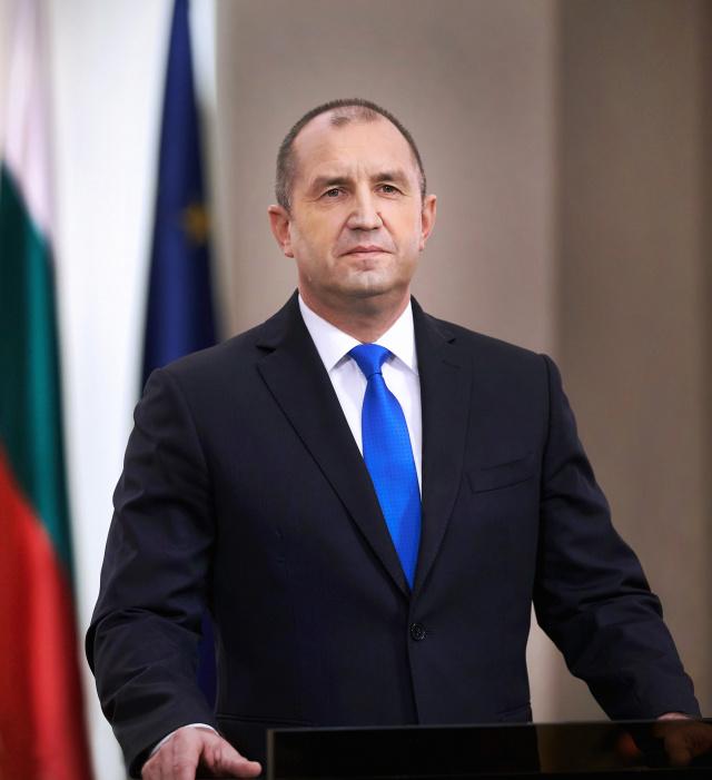 保加利亚总统府秘书长新冠阴性 总统停止自我断绝