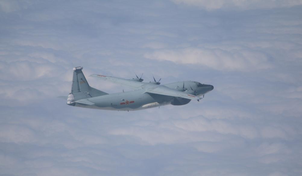 台军傍晚证实:3架不同机型运-8今进入台湾西南空域图片