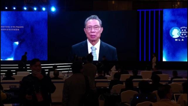 钟南山:科学家成为偶像的目的,是更好消除青年人对偶像的盲从图片