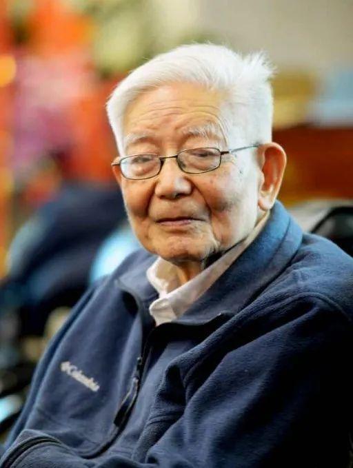 今天,北航人深切缅怀、送别、学习敬爱的唐荣锡先生!图片