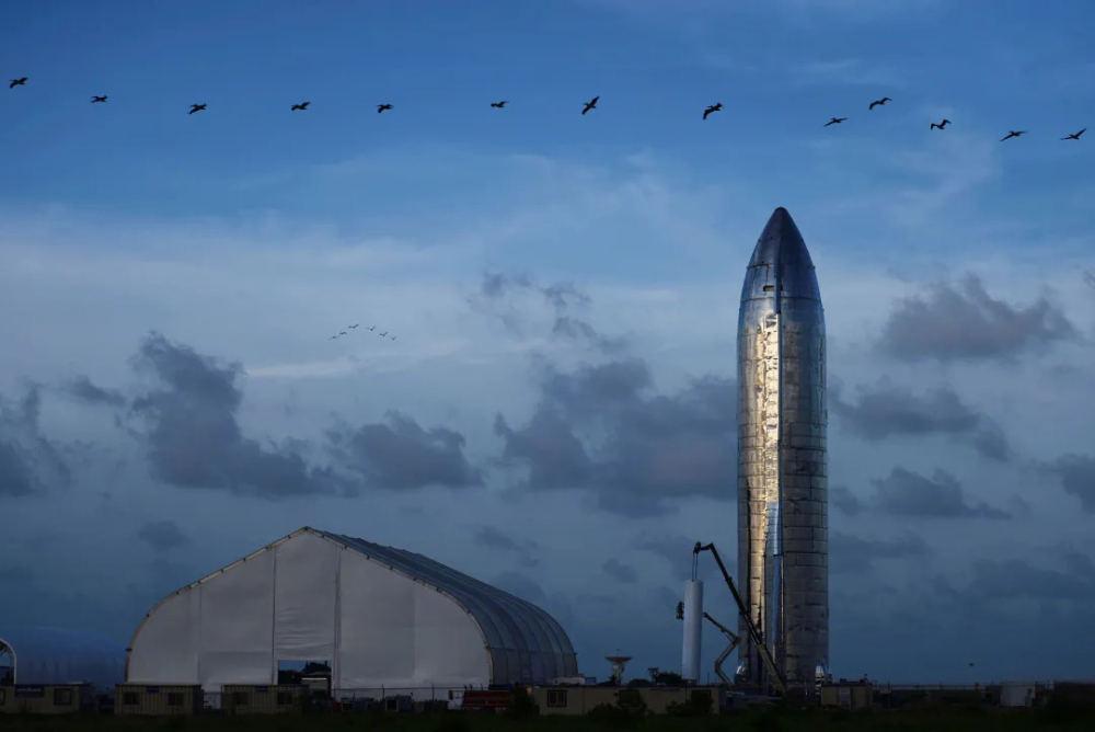 美国德州,马斯克展示的星际飞船原型