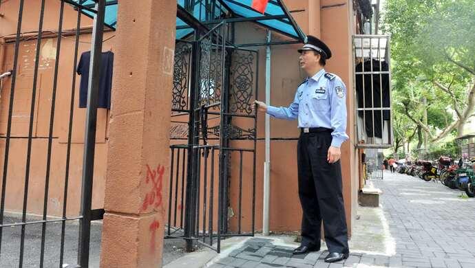 [华美代理]明防盗旋华美代理转门的上海民警今天图片
