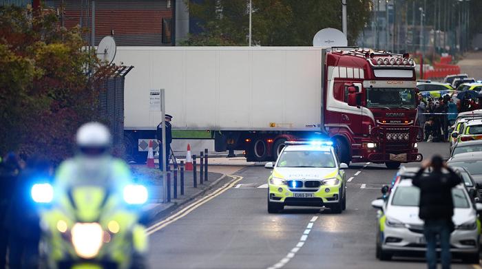 英国开始庭审埃塞克斯郡集装箱货车39人死亡惨案