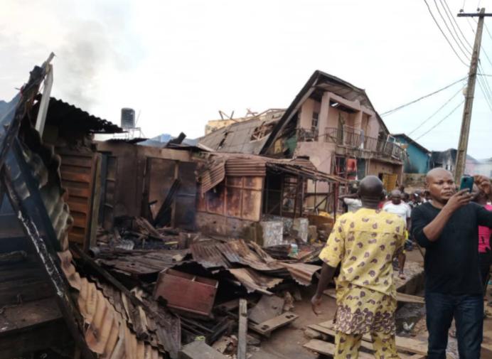 尼日利亚燃气站爆炸 致8人死亡多人受伤