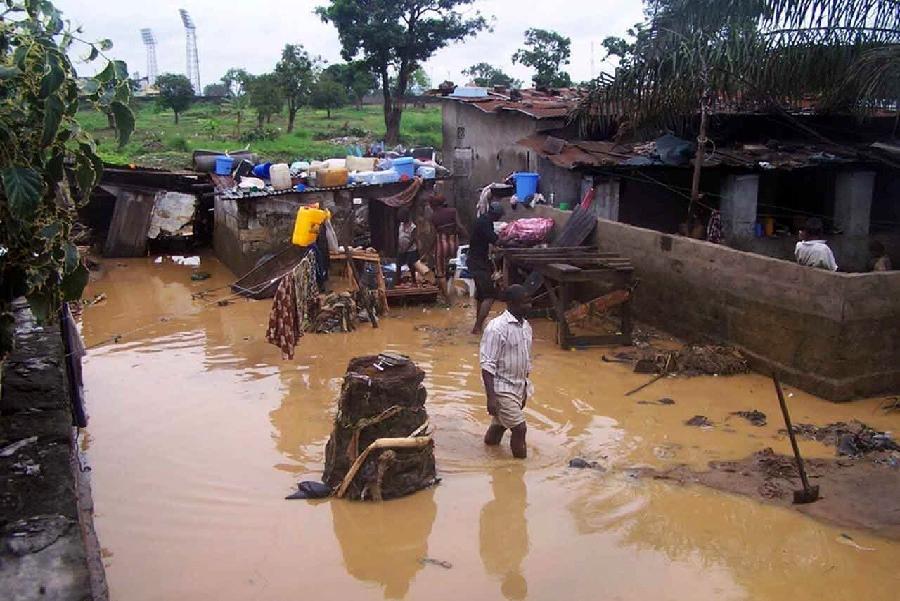 冈比亚洪灾致超3万人受灾