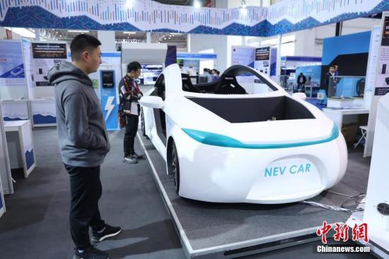 """中国汽车行业""""太难了""""?业界看好""""新能源""""图片"""