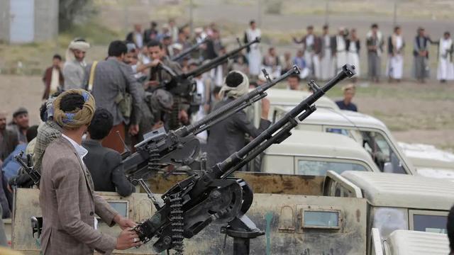 伊朗阵营又遭重创!铁杆盟军弹药库剧烈爆炸,几十人死伤
