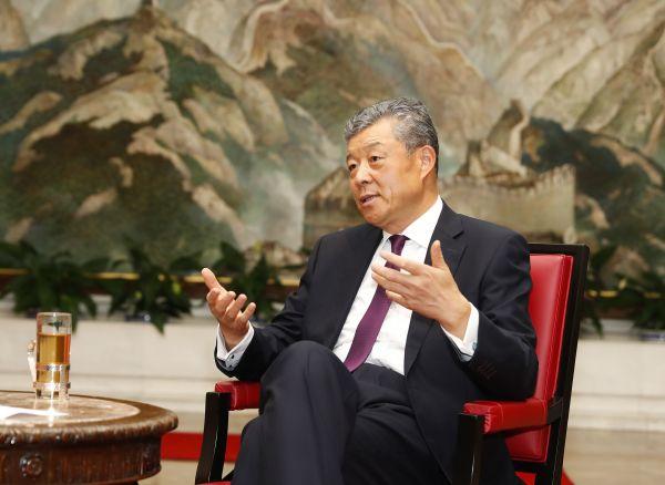 中国驻英大使:英国放弃与华为5G合作是巨大损失图片