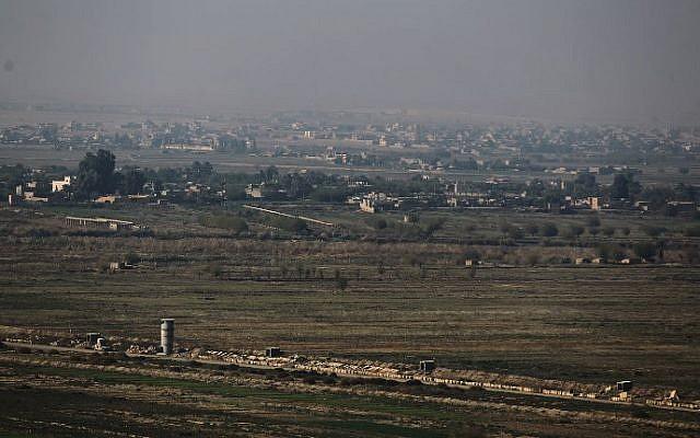 2018年11月12日,从伊拉克拍摄的叙利亚阿布凯马勒(Al Bukamal)地区