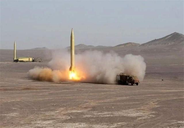 伊朗也不敢大打!15枚导弹没炸死一个人 美伊合伙哄骗两国老百姓