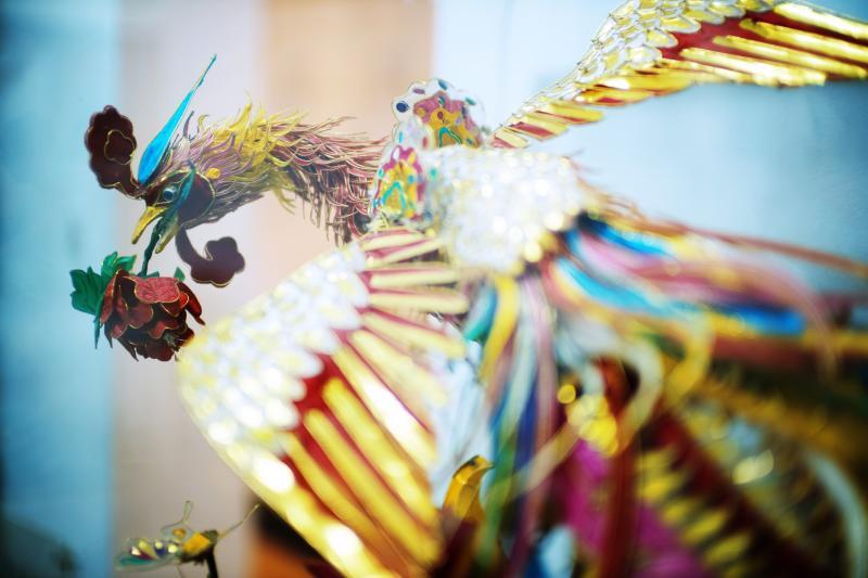 灯彩、面塑、剪纸还有绒绣,看看顶级的上海传统手工艺是怎样的