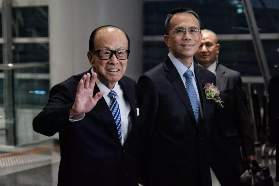 李嘉诚父子现身 公开谈香港局势及在内地投资图片
