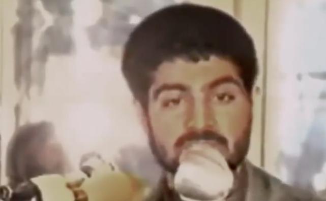 两伊战争时期,苏莱曼尼对士兵发表讲话。图/BBC纪录片《影子司令:伊朗军事大师苏莱曼尼》