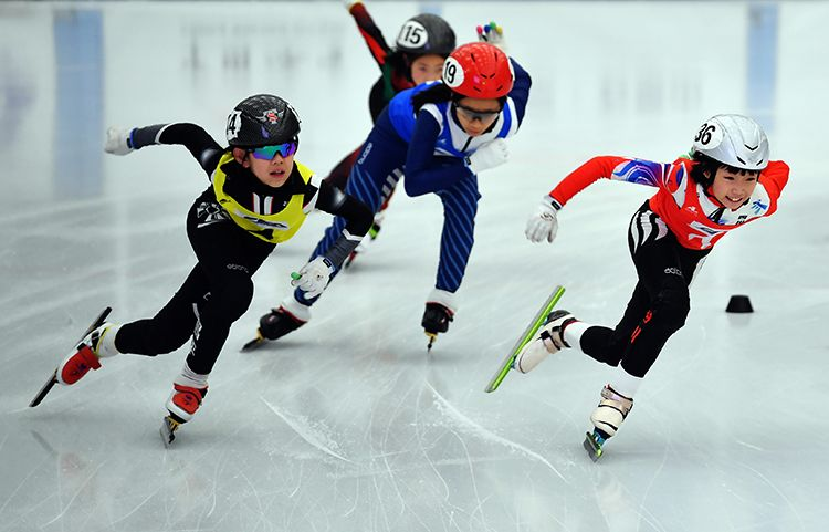 中国滑冰协会俱乐部滑冰公开赛(北京站)开幕图片
