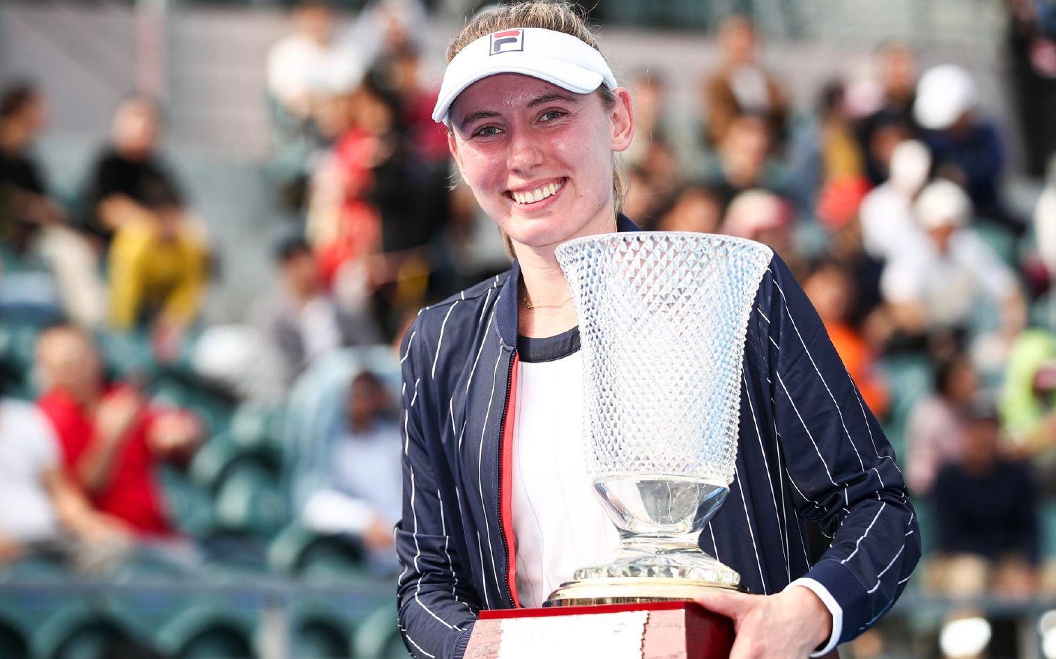 俄罗斯美女亚历山德洛娃拿下WTA赛季首冠图片