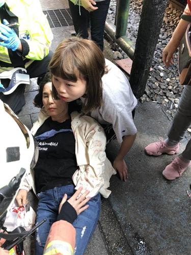 一名韩国游客在新北市被台铁撞伤(图)