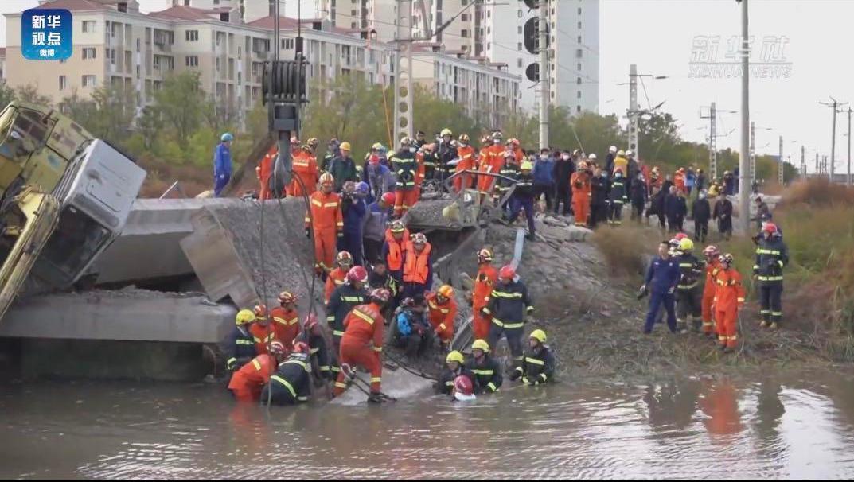 天津铁路桥坍塌已致7死 专家称桥枕更换一般不会导致坍塌 事故原因有待调查图片