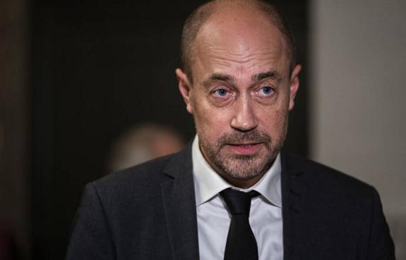 因家中有人感染新冠病毒 丹麦卫生大臣进行自我隔