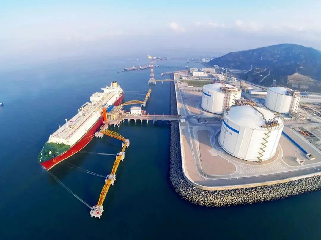 """中国海油与胜通能源签约""""进口LNG窗口一站通""""5年期产品"""