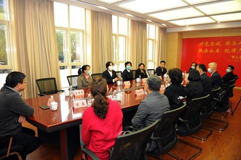 人大代表、特邀监督员视察天津法院图片