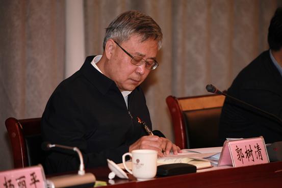 郭树清:县域金融是金融体系重要组成部分 只能加强