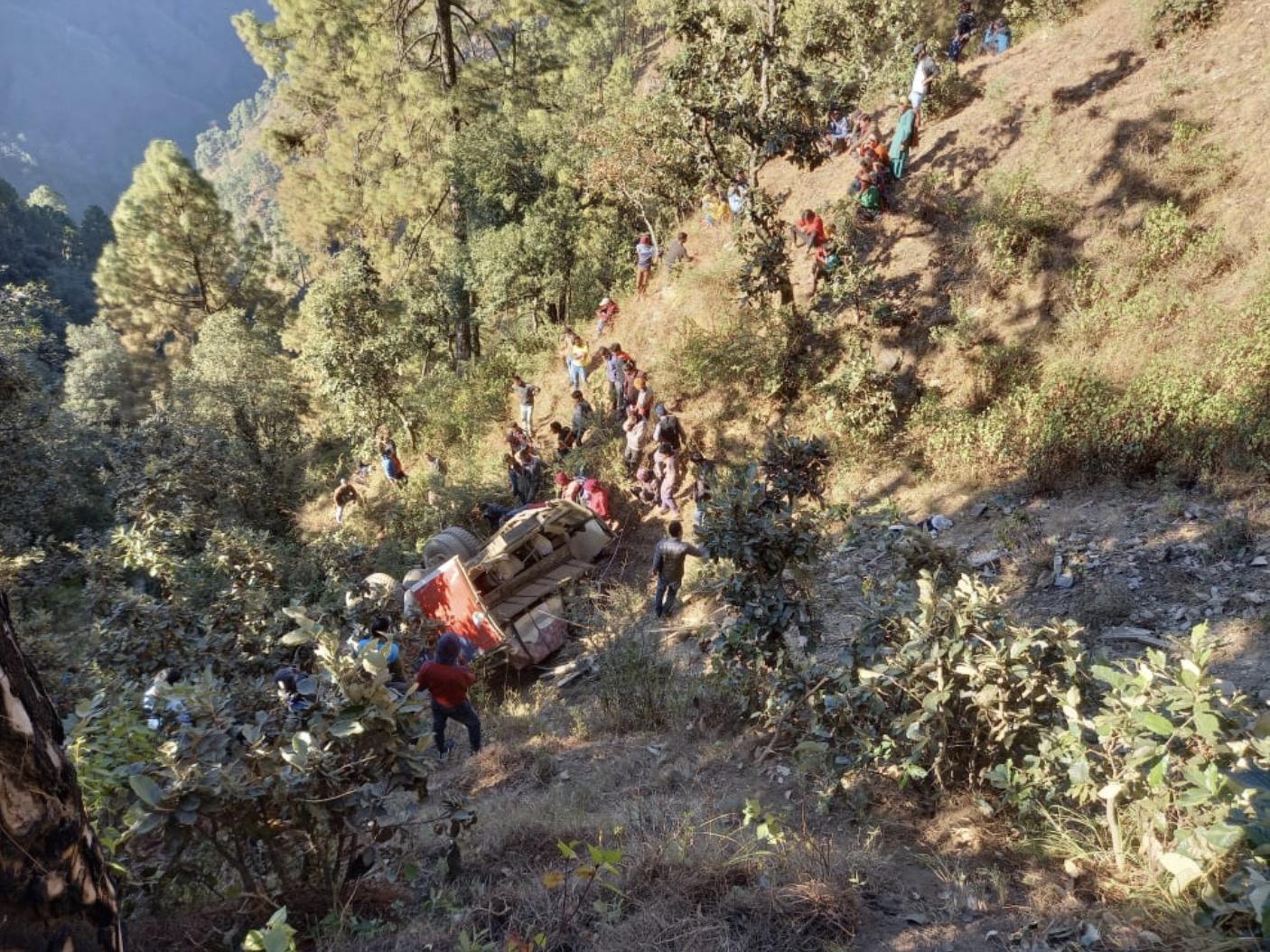 尼泊尔远西部地区发生严重交通事故 已造成9人死亡