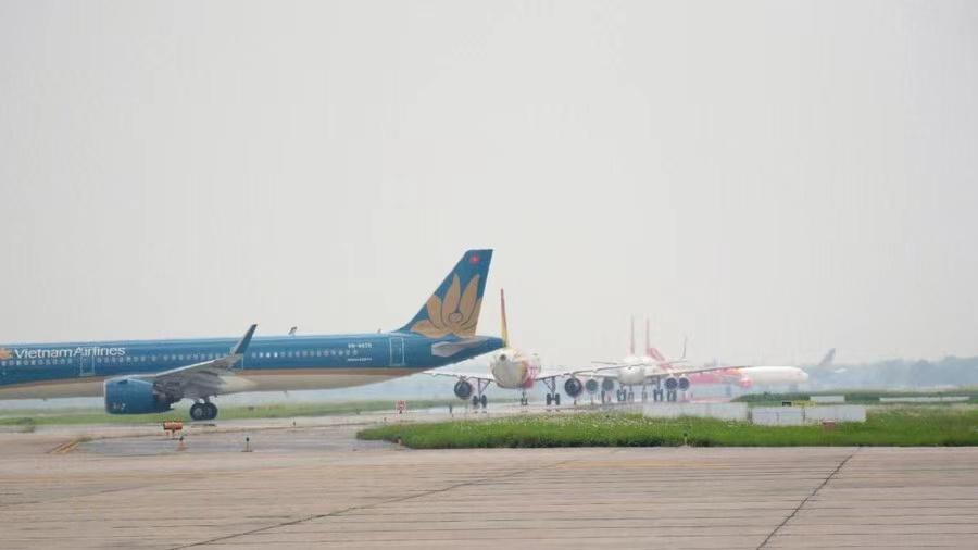 """受台风""""环高""""影响越南中部5处机场暂停运营 使馆提醒中国公民注意安全图片"""