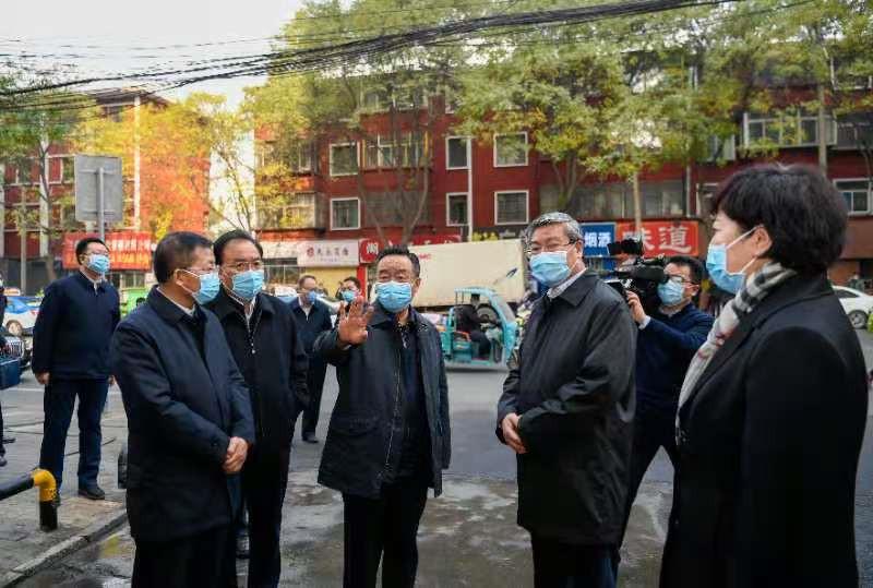 唐仁健在焦家湾冷冻厂检查疫情防控应急处置情况并在兰州市调研疫情防控工作