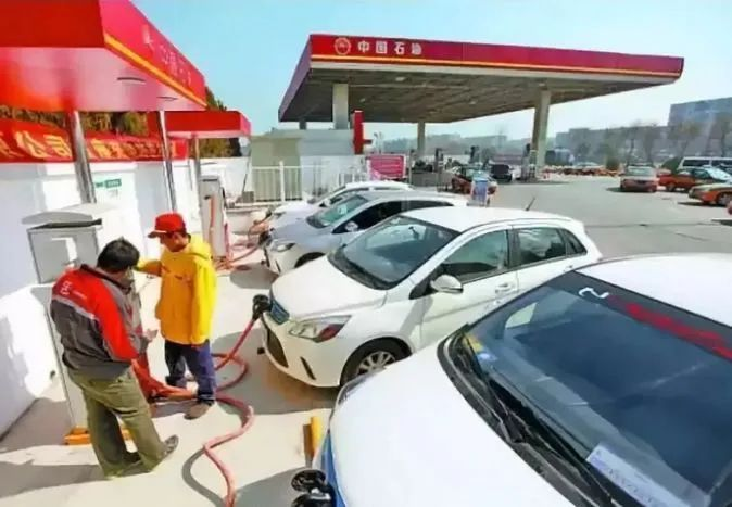 网约车开始全面新能源化?燃油车将退市?