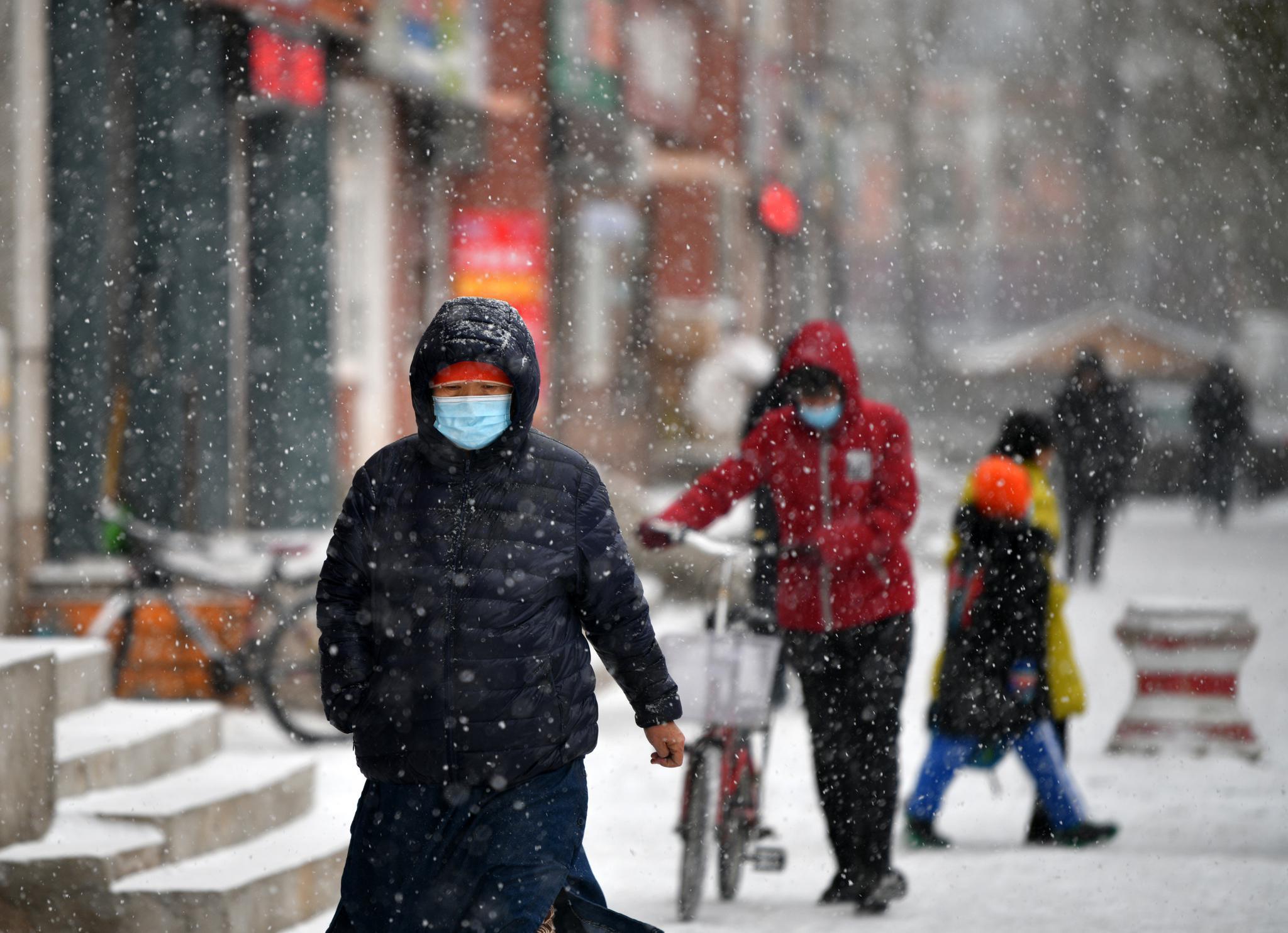 入冬以来首轮大范围降雪即将来袭:雨雪范围广、强度强图片