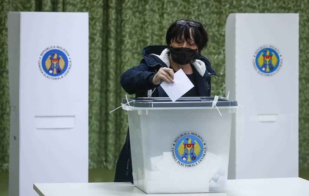 马娅-桑杜在摩尔多瓦第二轮总统选举中领先