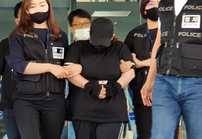 韩9岁男孩行李箱监禁致死案今日开庭 被告此前被判22年
