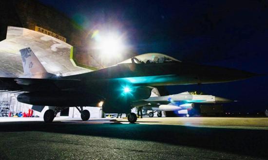 台军F-16战机失联超12小时仍未找到 蔡英文:全面停飞