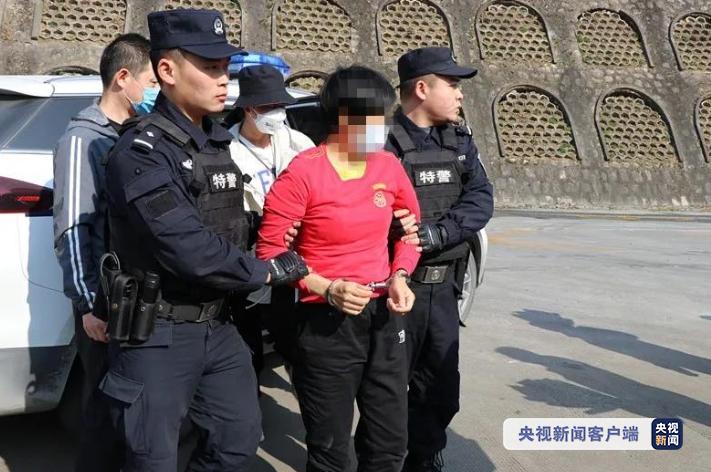 法网恢恢!砍伤邻居致死 潜逃14年嫌犯被抓捕归案图片