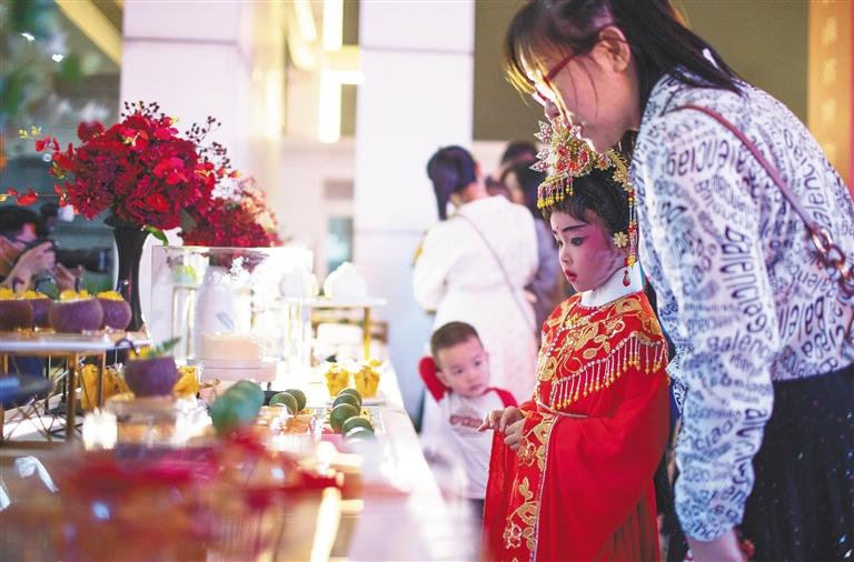 """海南省博物馆举办""""葭月之夜·欢乐小阳春""""文创之夜活动图片"""