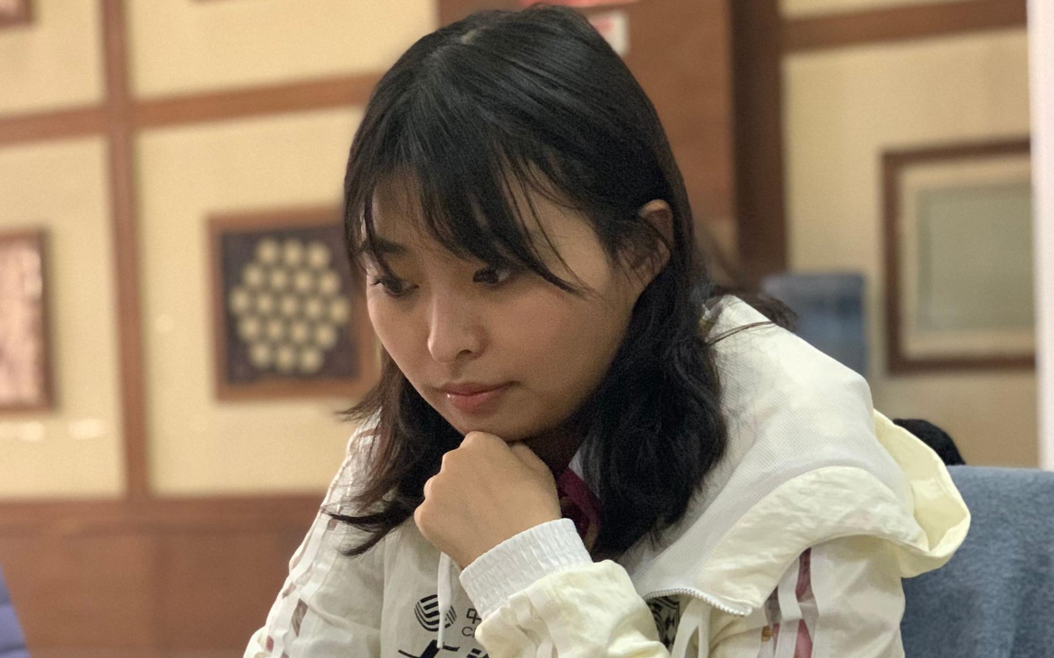 女子国际象棋世界冠军挑战赛,居文君主场弈和图片