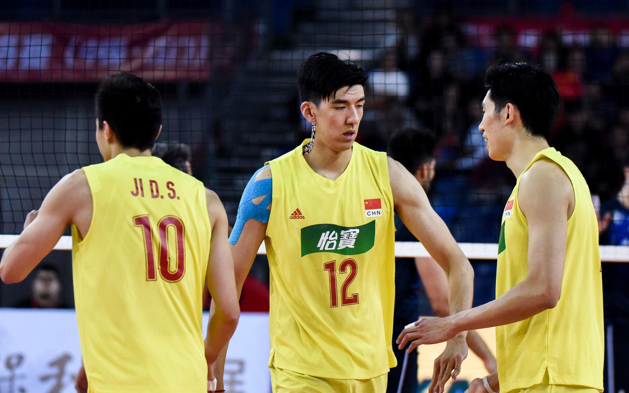 中国男排决赛不敌伊朗 无缘东京奥运会图片