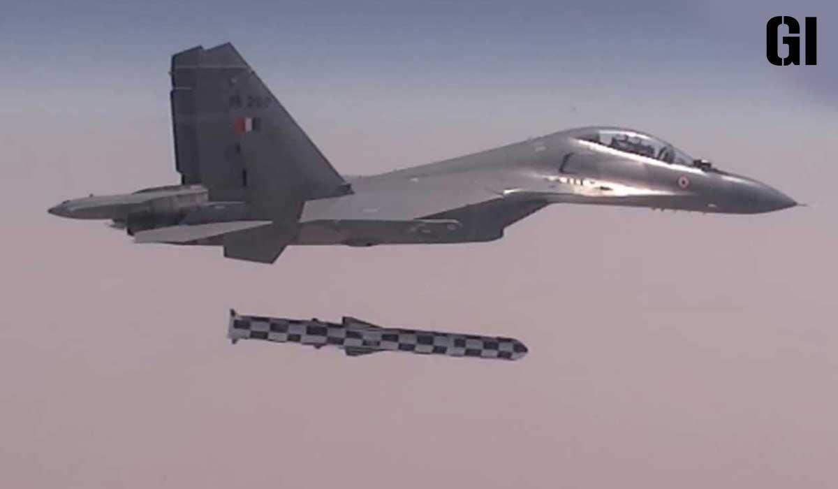 印度战斗机远程奔袭后发射布拉莫斯导弹 印媒硬要扯上中国图片