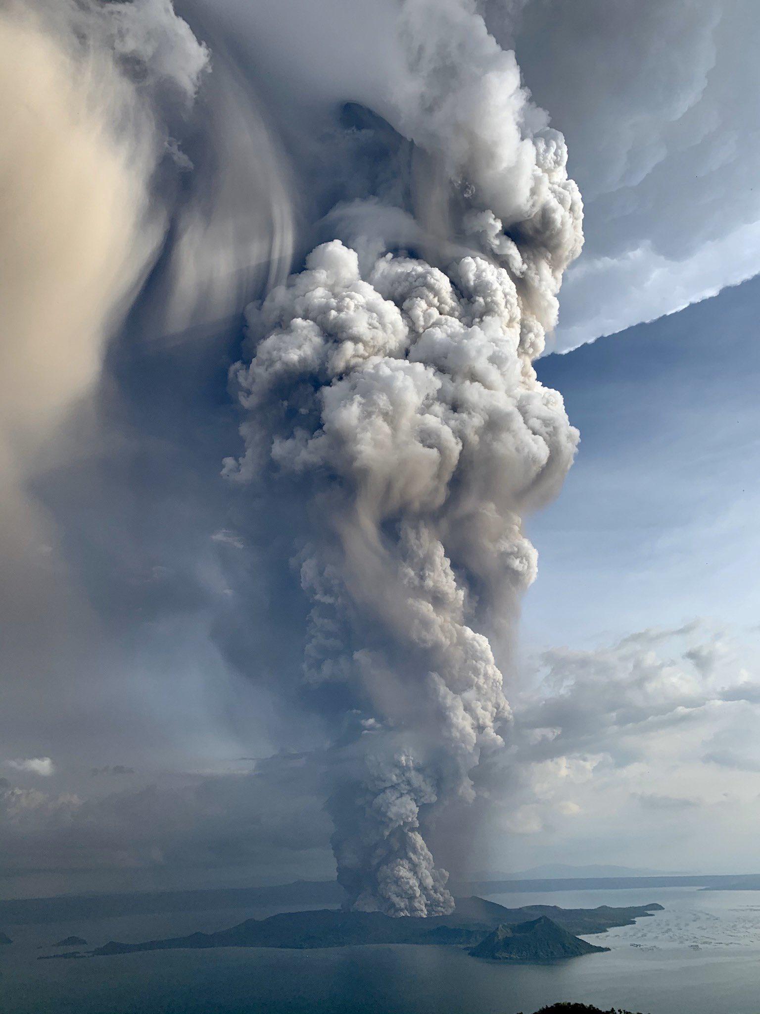 中国驻菲律宾大使馆提醒我公民塔尔火山喷发期间注意安全