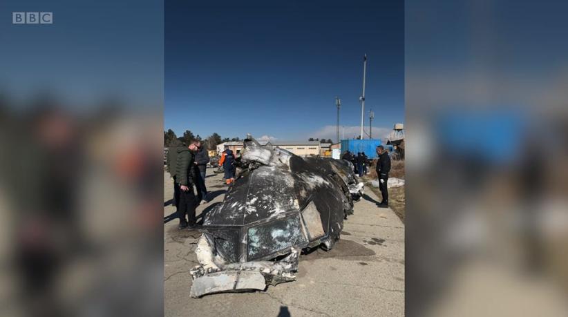 乌克兰调查人员拍到的客机残骸 视频截图:BBC