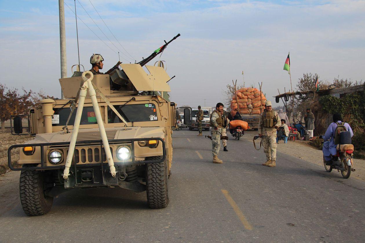 阿富汗安全部队参加打击塔利班武装分子的行动 图:《华尔街日报》