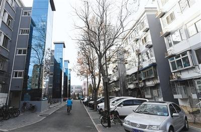 2019年12月17日,海淀区北航家属社区,29栋符合加装条件的楼,目前已有75部电梯投入使用。新京报记者 王嘉宁 摄