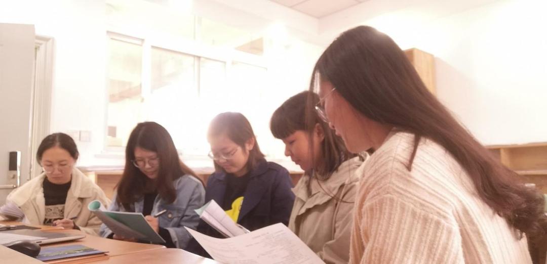 备团体△课钻研们先辈向贵习宝学履历。