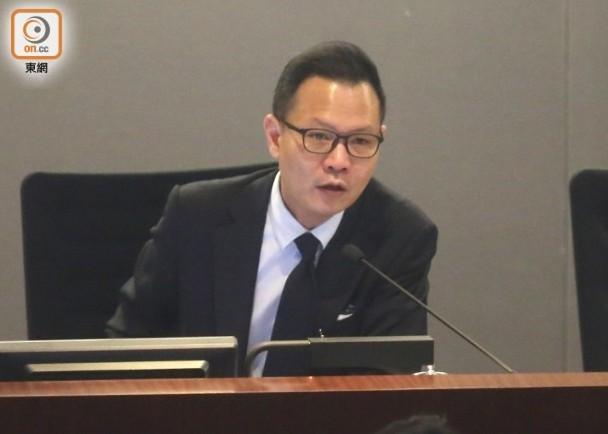 丧失立法会议员资格的郭荣铿宣布退出政圈,梁振英发文酸讽