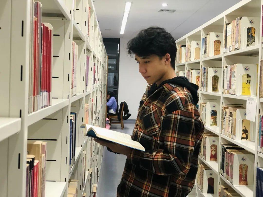 怀赤诚心,走万里路:看十佳学生干部刘国炜如何走好自己的大学路图片