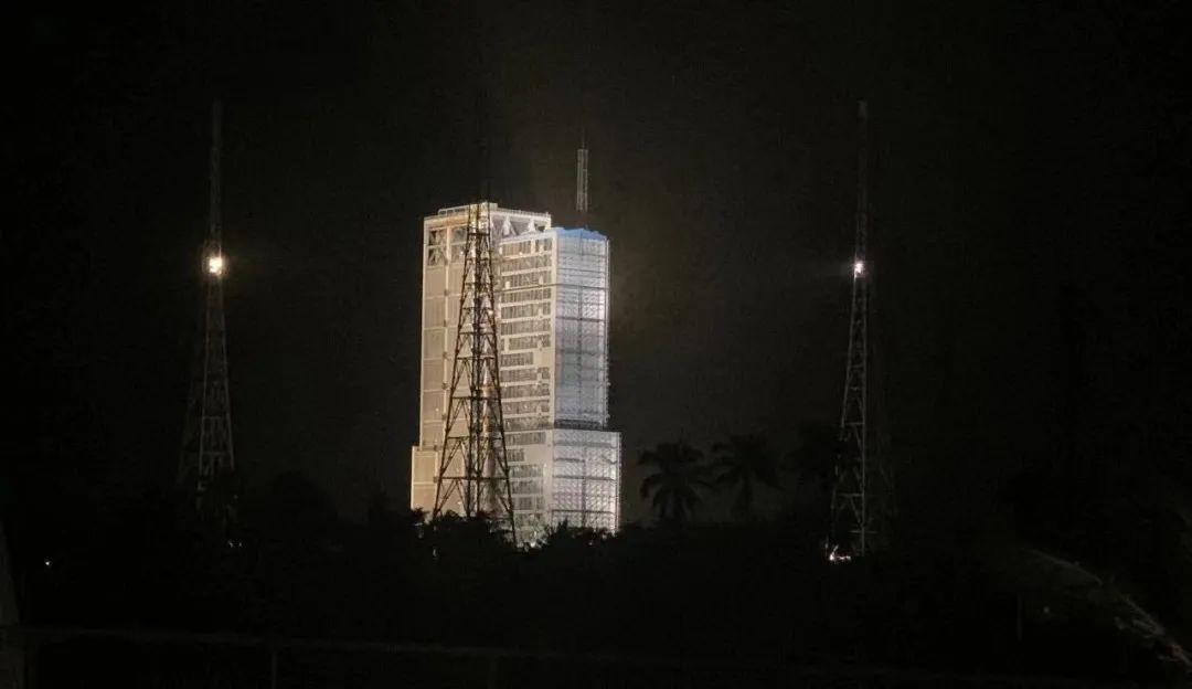 嫦娥五号计划明天凌晨发射!等等,为什么要选在凌晨?图片